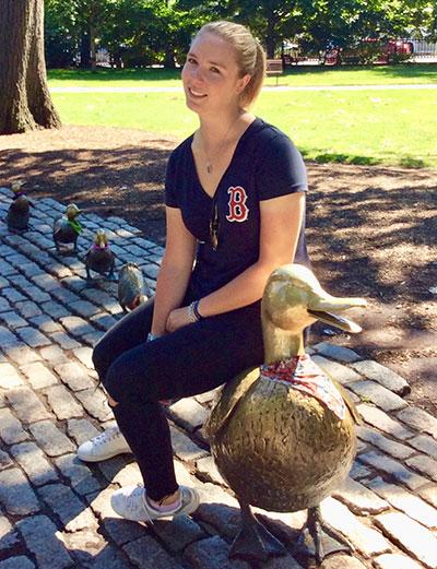 Clara-LeFur, Online Leadership and Diversity in Sport Management Student
